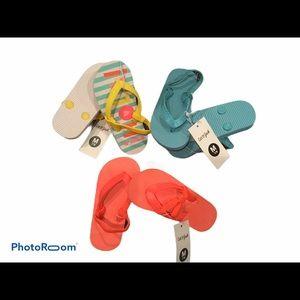 NWT Girl's Flip Flops Bundle of 3 Size 7/8